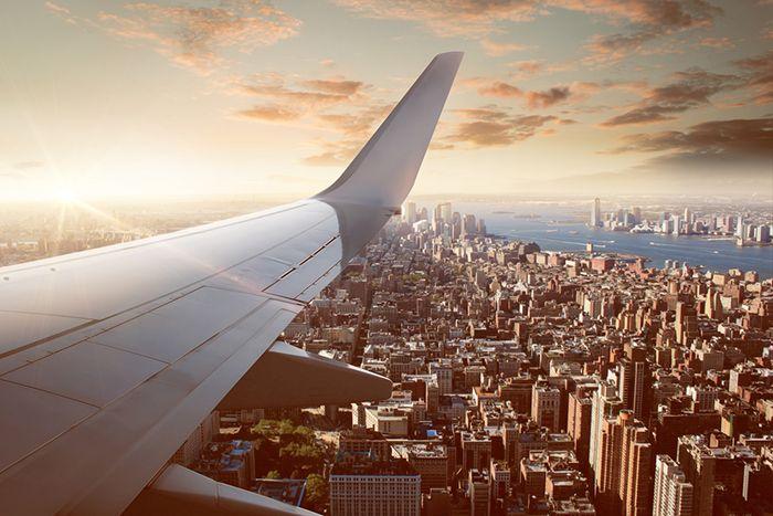 Viajar de forma segura: cómo reclamar cuando tu vuelo se retrasa o se cancela