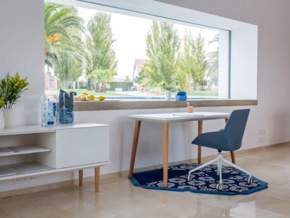 Home Office estilo mediterráneo con colores cálidos