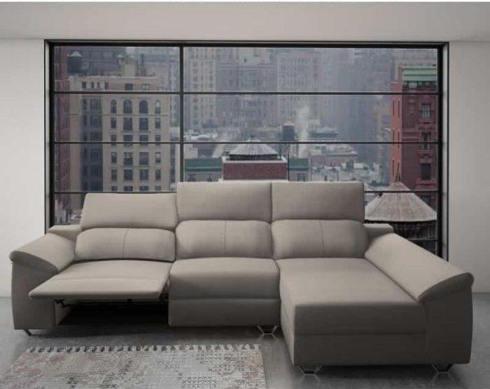 Sofá chaiselongue reclinable de una tienda de muebles online