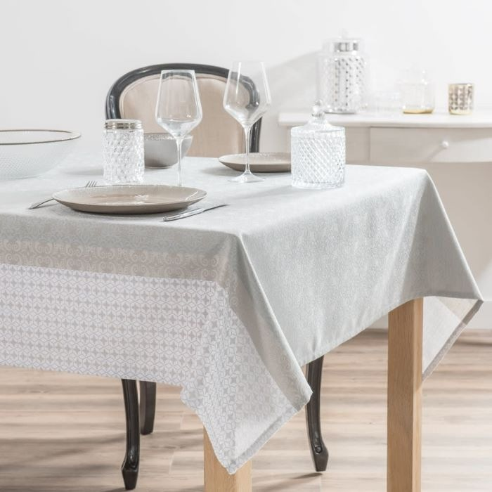 Mantel de tela para decorar tu mesa de Navidad