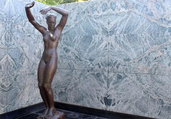 estatua acero cobre