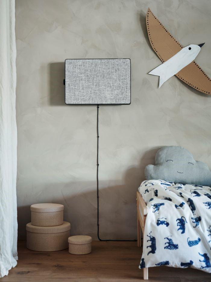 Purificador de aire de IKEA en la pared colgado