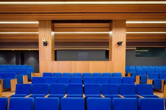 sala-de-actos-en-el-Campus-Loyola