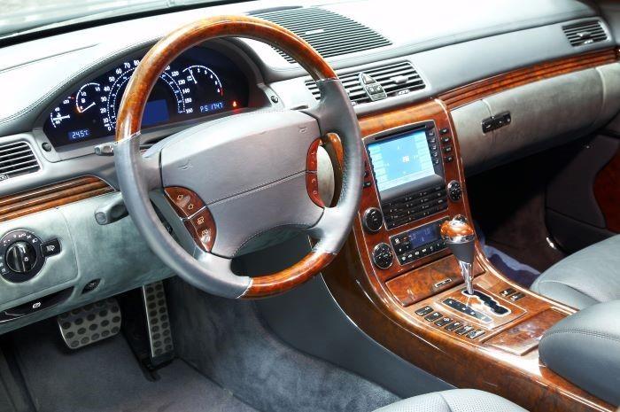 Interior-de-un-coche-personalizado