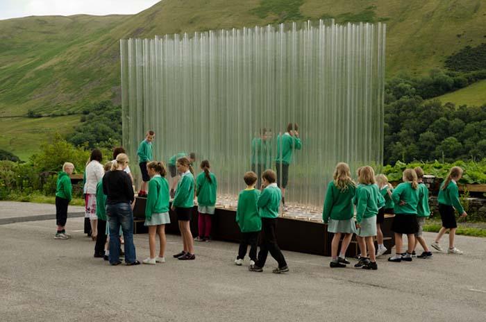 Proyecto Organ of Corti arquitectura sensorial niños alrededor de la estructura