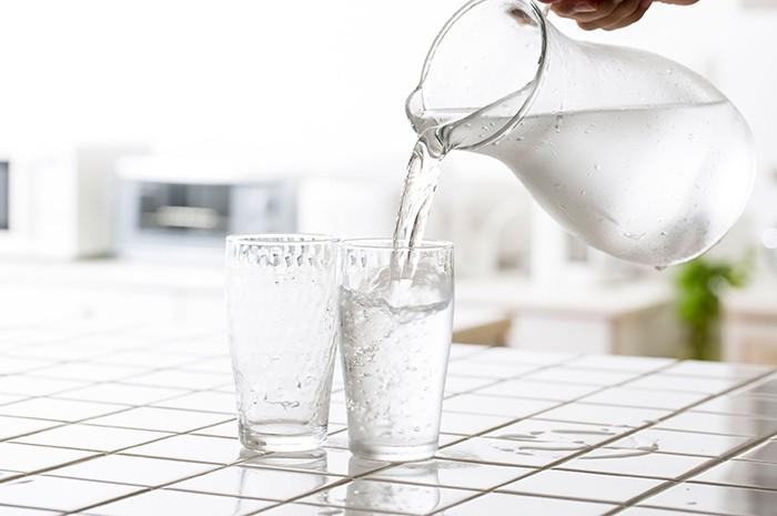 Cómo mejorar tu salud bebiendo agua
