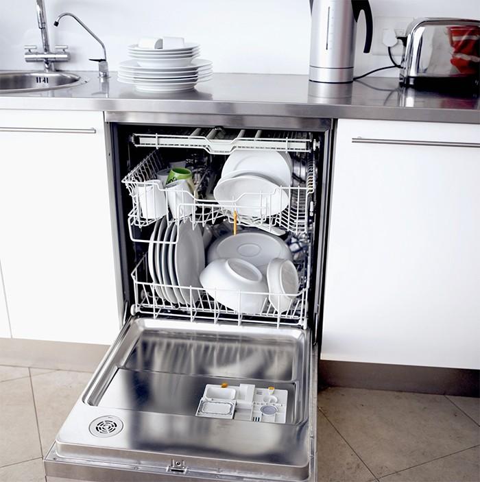 lavavajillas de cocina abierto