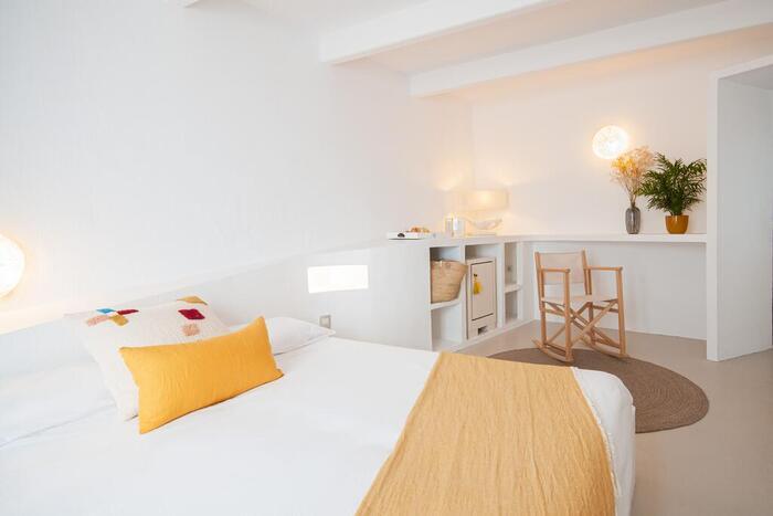 Hotel 971 habitación blanca