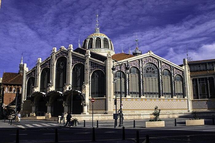 Arquitectura vista desde el exterior Mercado Central de Valencia