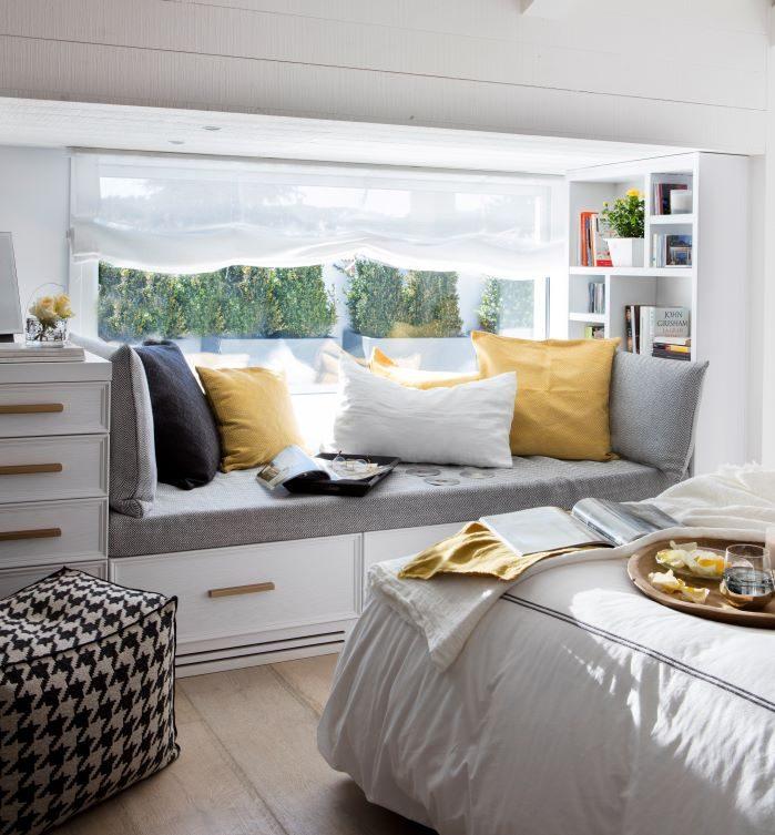 Habitacion-con-tono-y-textiles-amarillos