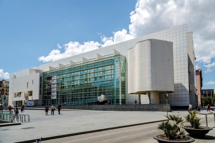 El museo MACBA, corazón del barrio El Raval de Barcelona