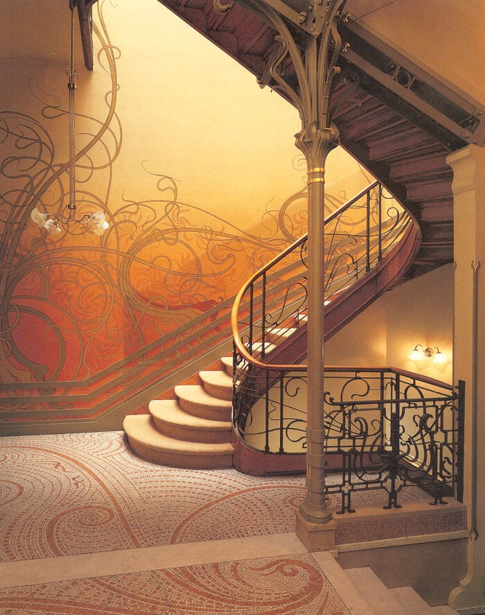 Escaleras interiores Casa Tassel