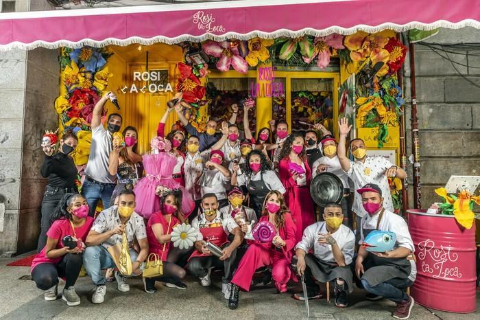 equipo puerta del restaurante en el restaurante Rosi La Loca Madrid