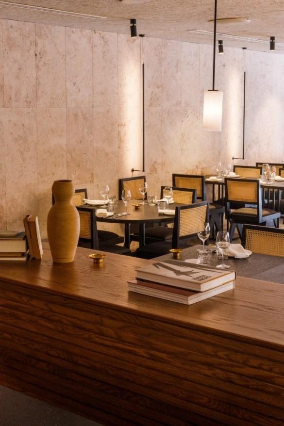 interior restaurante sofisticado