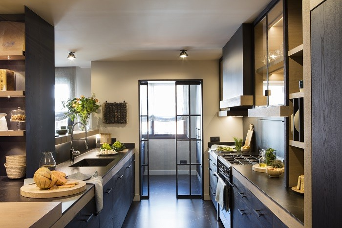 luz-ambiental-en-la-cocina-con-luz-en-el-techo