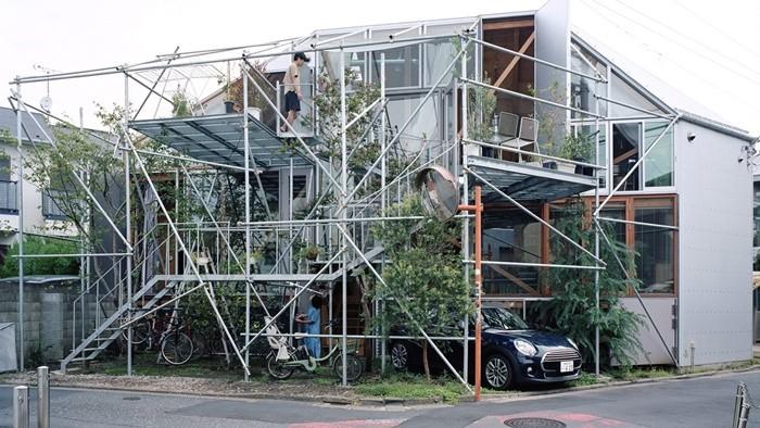 andamios casa exterior vegetacion