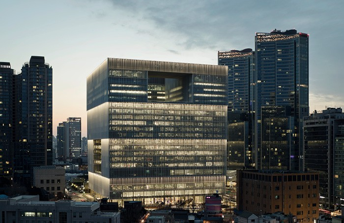 complejo edificio plantas iluminacion