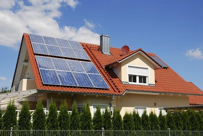 Energías renovables para una casa mediante placas solares