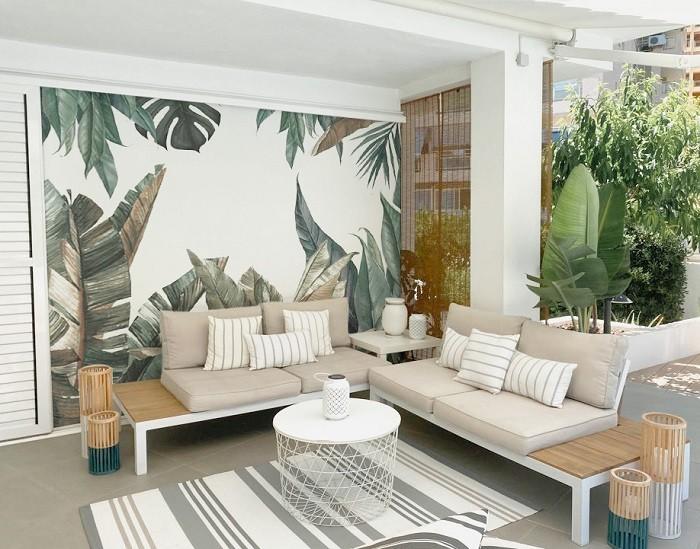 Salon-con-pintura-mural-de-vegetacion