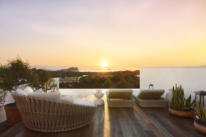 atardecer desde las viviendas de lujo the white angel en Ibiza