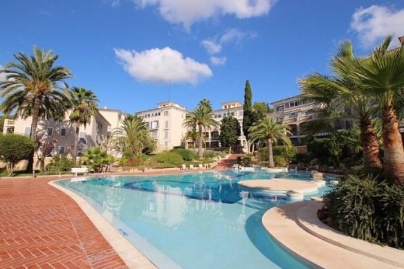 grandes alojamientos en la Costa del Sol con piscina