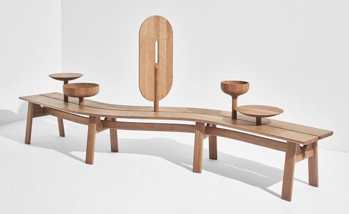 mesa de madera con formas