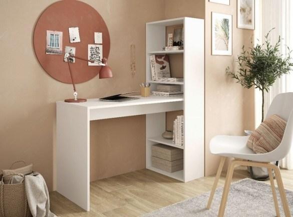 escritorio con estantería blancos para el teletrabajo de Leroy Merlin