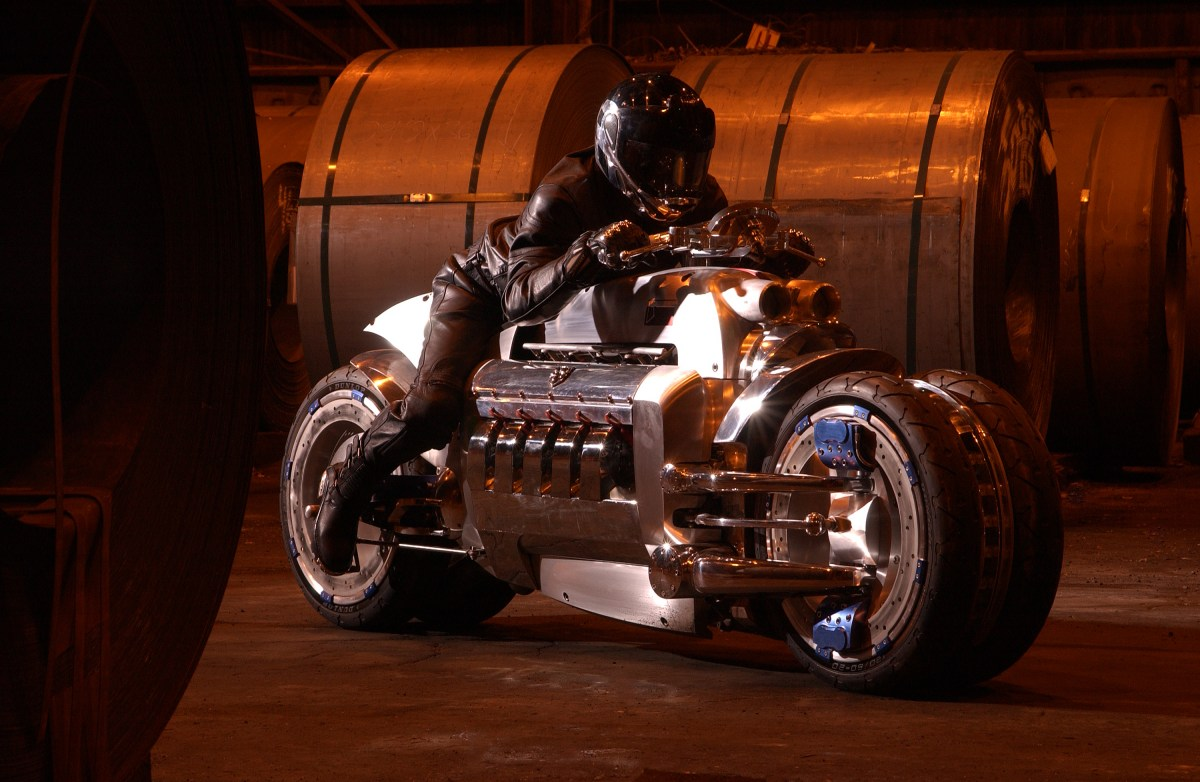 Inside Design: 2003 Dodge Tomahawk Concept: