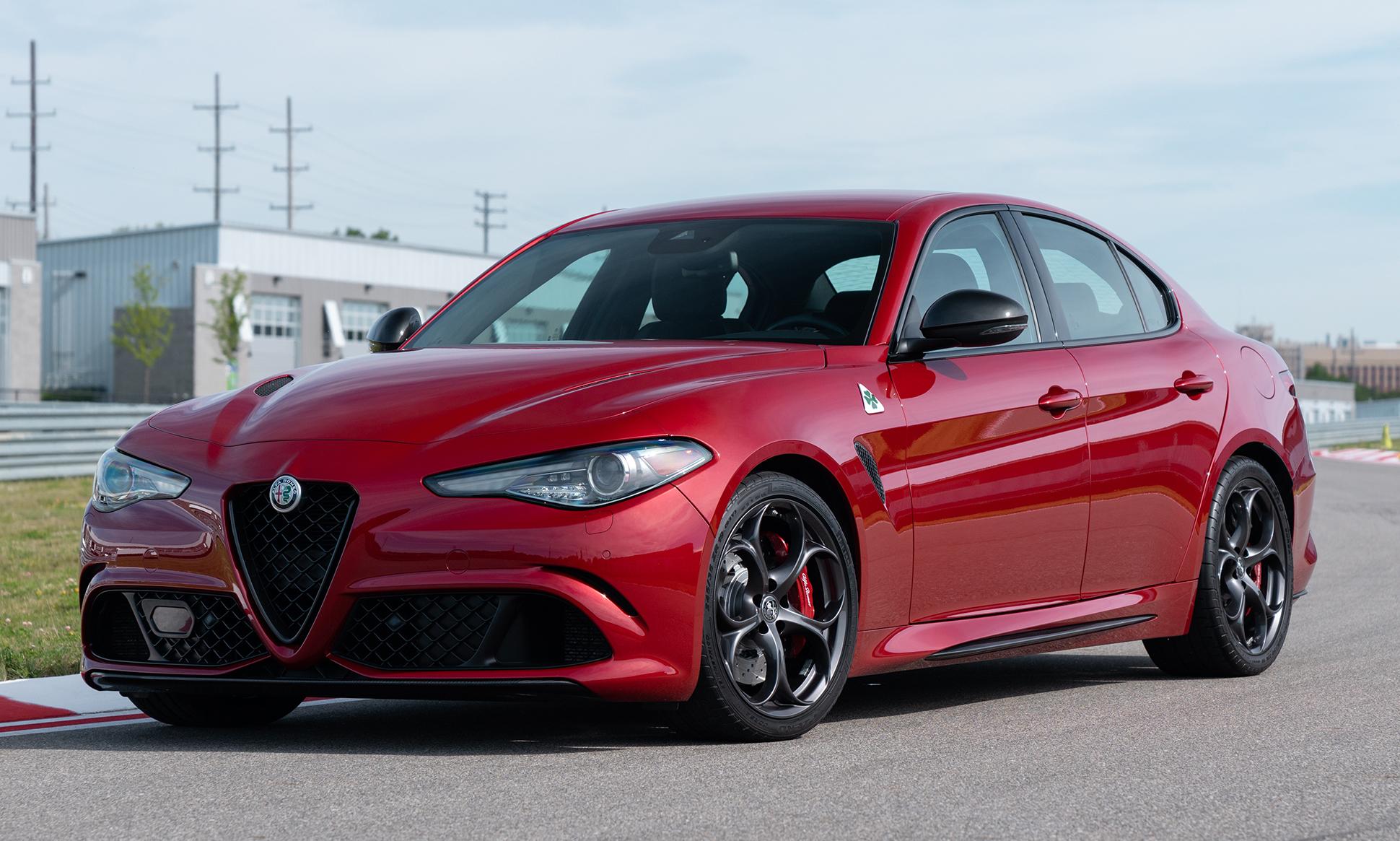 2019 Alfa Romeo Giulia Nero Edizione Package Mopar Insiders