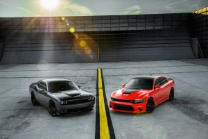 2018 Dodge Challenger T/A 392 (left) and 2018 Dodge Charger Daytona 392 (right). (FCA US Photo)