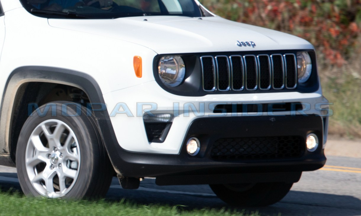 Spotted North American 2019 Jeep Renegade Latitude Mopar Insiders