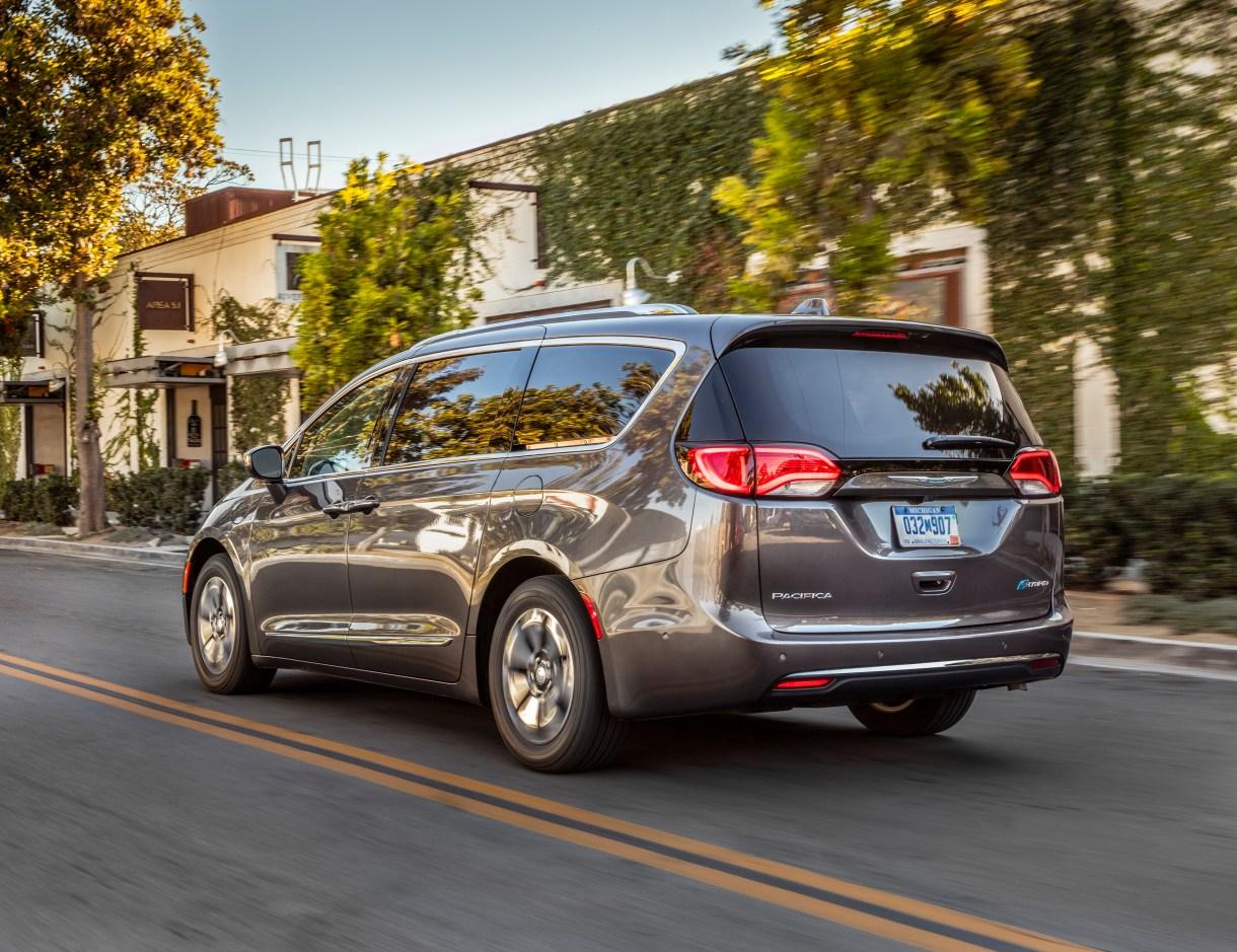 RECALL: 2017-2018 Chrysler Pacifica Hybrid Models: - Mopar