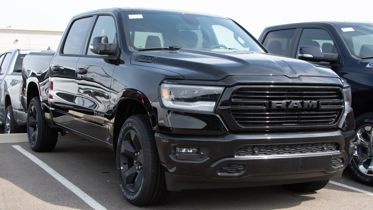 Blacked Out Ram >> Welcome To The Dark Side 2019 Ram 1500 Big Horn Black