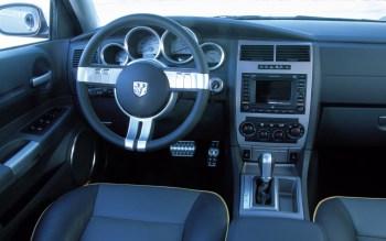 2003 Dodge Magnum SRT-8 Concept. (Dodge).