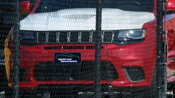 Jeep Grand Cherokee Trackhawk with Prototype Hood. (Spiedbilde).