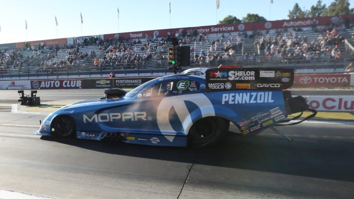 Matt Hagan going up against Robert Hight for the Championship Title in the semi-finals. (Mopar).