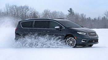 The new 2021 Chrysler Pacifica now offers available all-wheel drive (AWD), with the most advanced AWD system in its class and the only one to offer AWD along with Stow 'n Go seating.