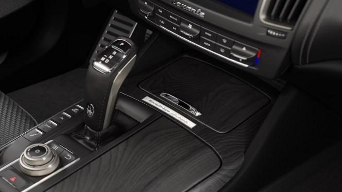 2020 Maserati Levante SQ4 GranSport Zegna PELLETESSUTA. (Maserati).