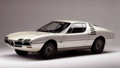 Photo of Jay Leno Takes A Look At The Very Cool 1971 Alfa Romeo Montreal: