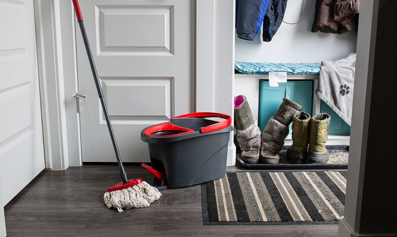 Cleaning Of Your Home-Mopando