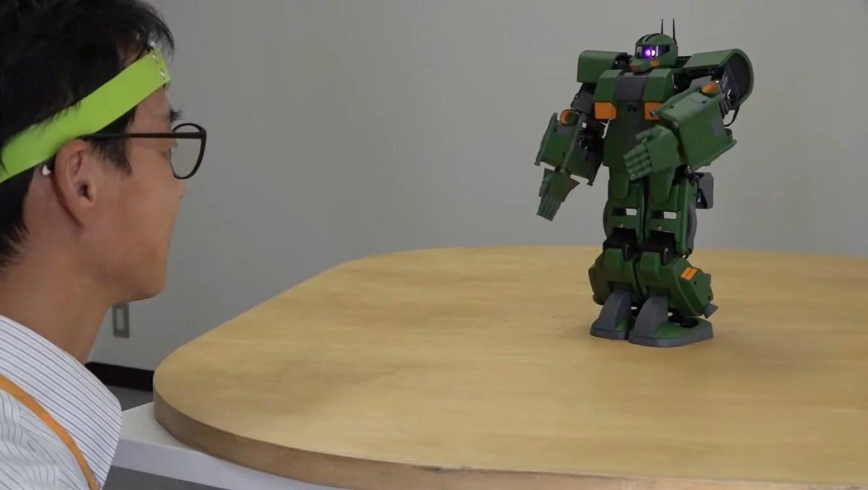 Crean figura de Gundam que puede ser controlada a través del cerebro