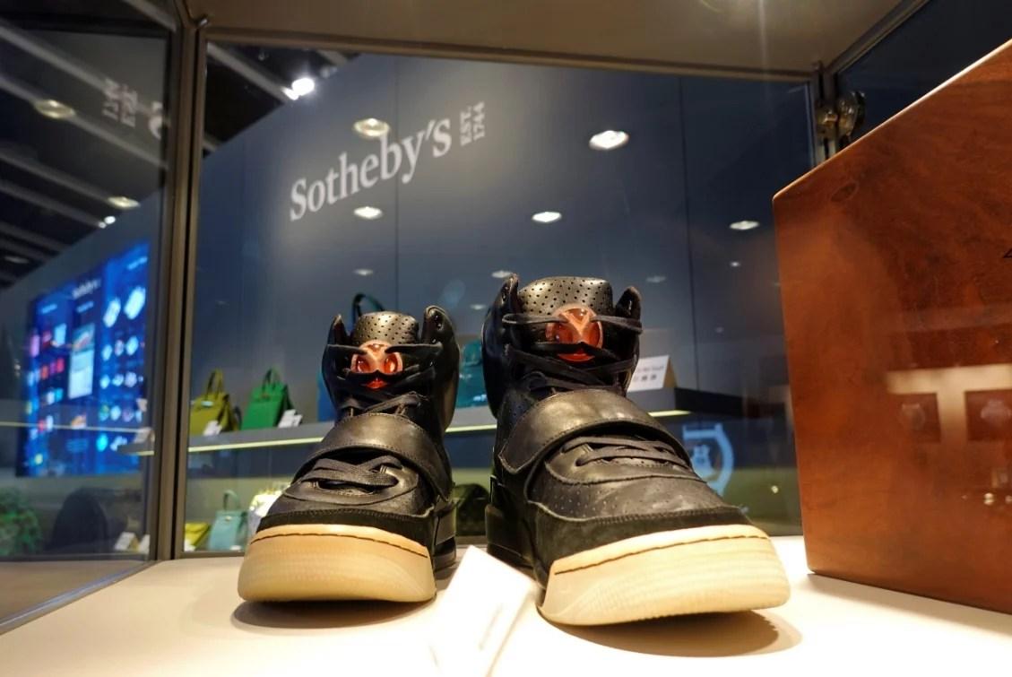 El primer prototipo de zapatillas Yeezy de Kanye West se subasta por 1,8 millones de dólares