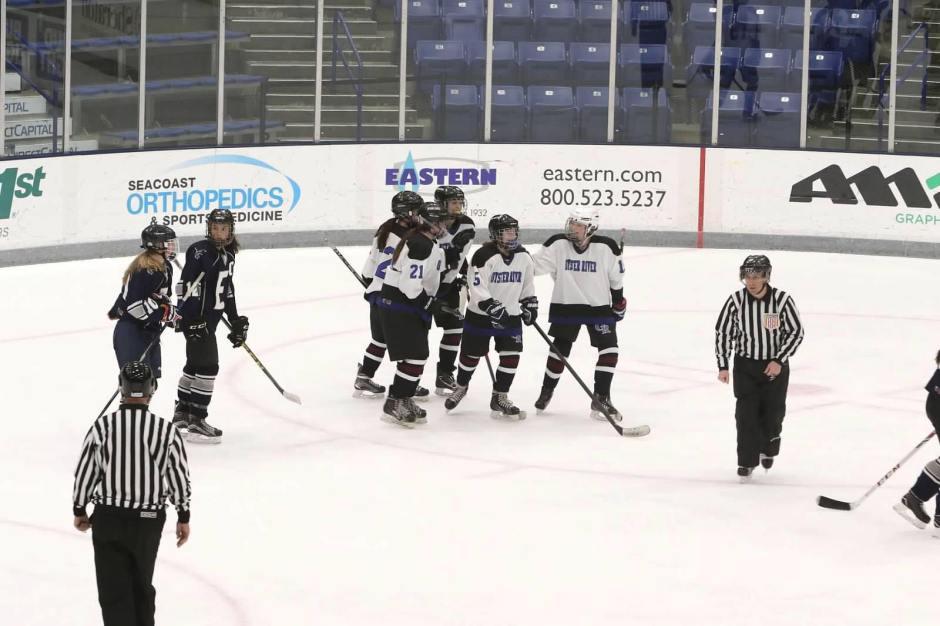 girls hockey skating