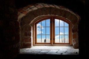 窓の外は青空