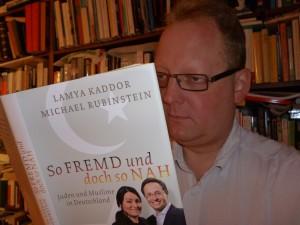 Durchgelesen und uneingeschränkt empfohlen: das Buch von Lamya Kaddor und Michael Rubinstein
