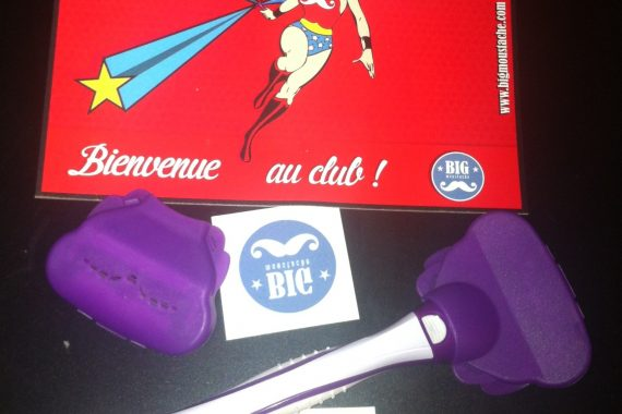 Big Moustache : La Box contre les poils