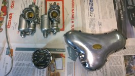 Carburatori, contachilometri, carter distribuzione restaurati - Carburetors, odometer, timing carter restored