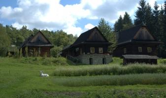 Chalupy z Nového Hrozenka ve Valašské dědině.