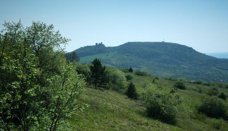 Sirotčí Hrádek a Stolová hora.