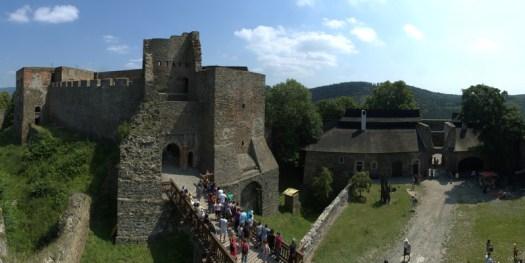Zřícenina hradu Helfštýna.